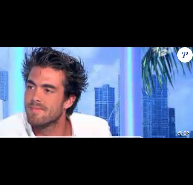 Jonathan, invité sur le plateau des Anges de la télé-réalité : Miami Dreams