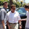 Arnold Schwarzenegger déjeune avec son fils Patrick, à Los Angeles, le 2 juin 2011.