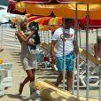 Zahia Dehar et Enzo à Saint Tropez en juillet 2010