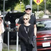 Reese Witherspoon : elle a récupéré sa jambe !