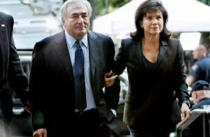 DSK soutenu par sa femme sous les huées de femmes de chambre : non coupable !