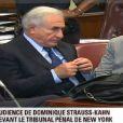 DSK plaide non coupable lors de l'audience du 6 juin 2011, à New York. Il est entouré de ses deux avocats Benjamin Brafman et William Taylor.