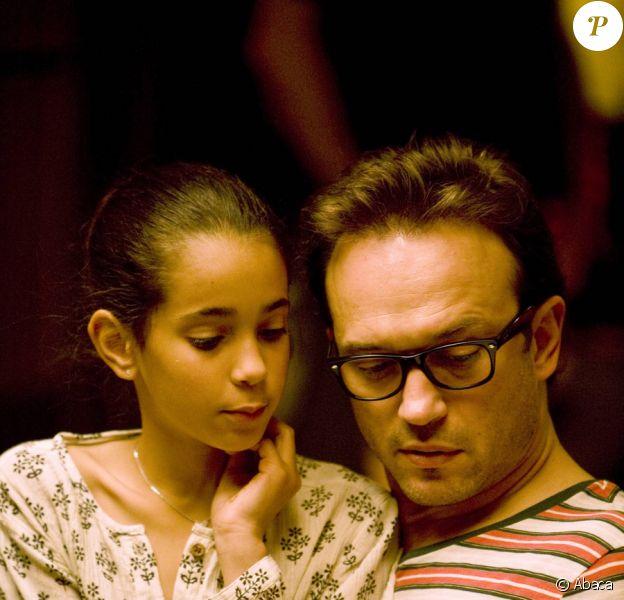 Iman Perez et son père Vincent Perez sur le tournage du film Un baiser papillon