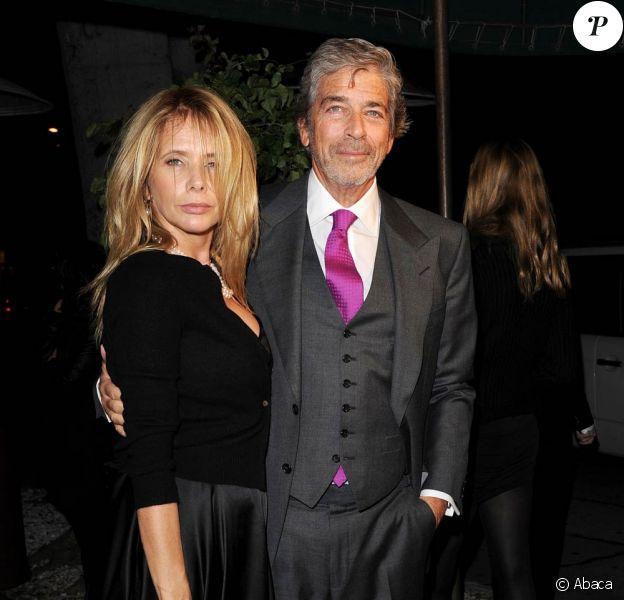 Rosanna Arquette, 51 ans, se sent si bien avec Todd Morgan qu'elle a accepté de devenir sa femme. Ce sera son quatrième mariage. Ils avaient fait sensation lors du dîner Chanel précédant les Oscars, en février 2011, de retour de Saint-Barth'.
