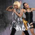 """Nicki Minaj assure la première partie du concert Femme Fatale à Las Vegas, le 25 juin 2011 et a même chanté avec la star son tube """"Toxic""""."""