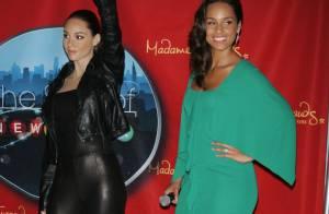 Alicia Keys : Face à sa statue de cire ratée, elle garde le sourire