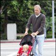Kevin Costner se balade avec son fils