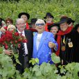 Michou inaugurait dans le vignoble du XVIIIe arrondissement la rose république de Montmartre (création des pépinières Delbard), le 18 juin 2011.