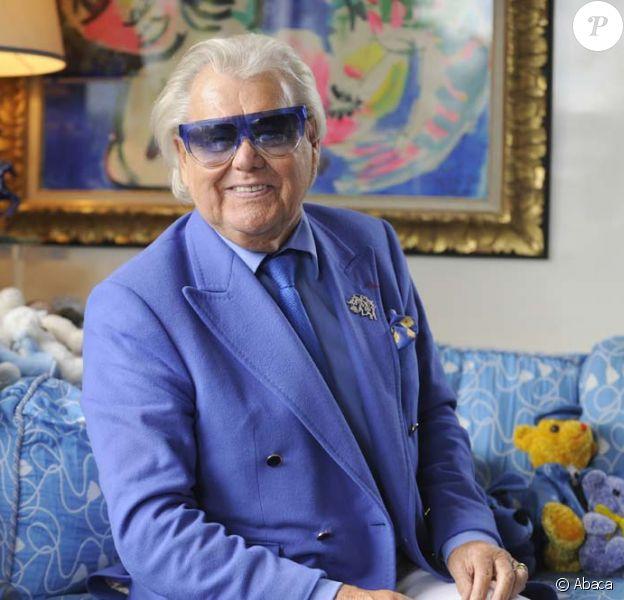 Michou vous reçoit dans son intérieur à Montmartre, le 15 juin 2011.