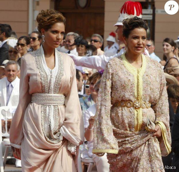 La princesse Lalla Meryem représentait son frère le roi Mohammed VI du Maroc au mariage du prince Albert et de la princesse Charlene, le 2 juillet 2011 à Monaco. Sa fille, Lalla Sukaïna, l'accompagnait et n'est pas passée inaperçue...