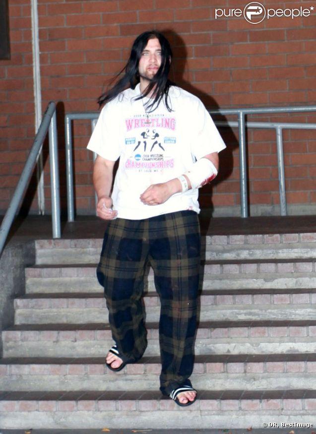 Weston Cage à la sortie du commissariat de Los Angeles le 4 juillet 2011