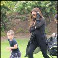 Victoria Beckham ne peut plus cacher son ventre début juin 2011