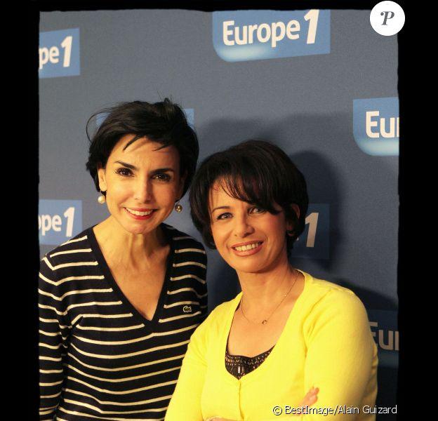 Rachida Dati et sa soeur Malika chez Europe 1, dans l'émission d'Ariane Massenet en juillet 2011.