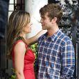Chace Crawford et Elizabeth Hurley en plein flirt sur le tournage de Gossip Girl, le 13 juillet 2011