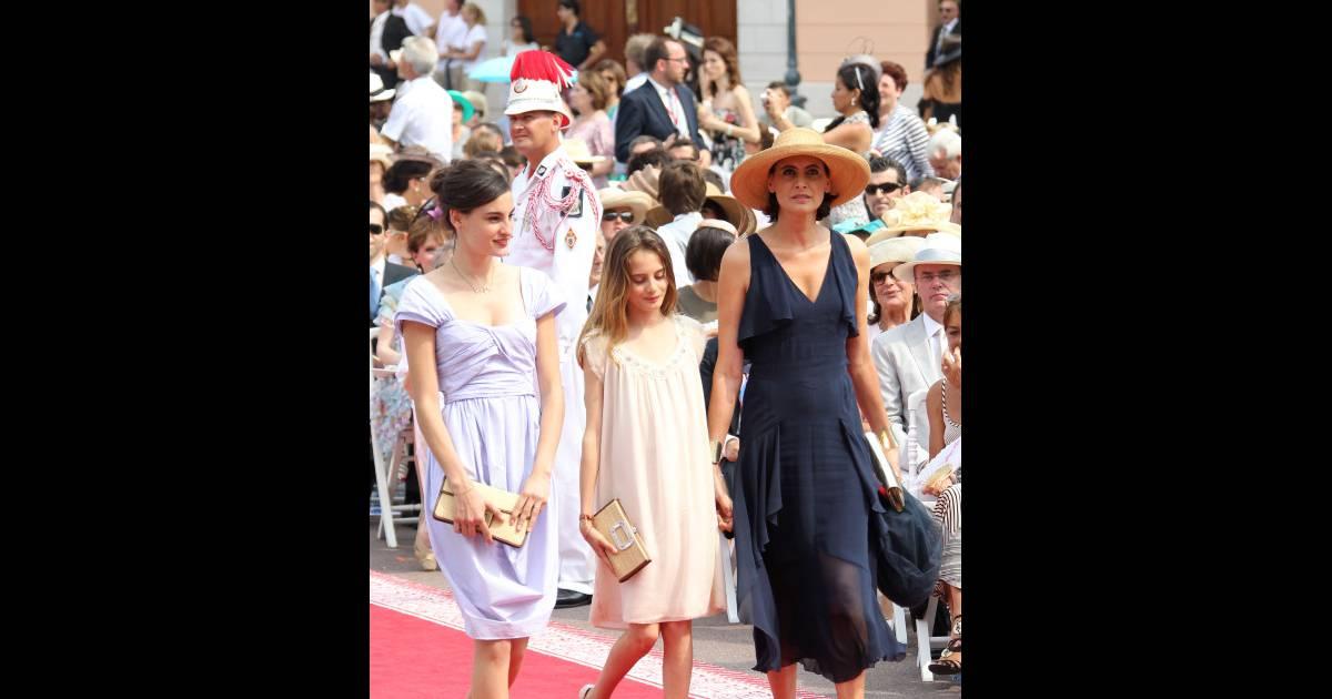 In s de la fressange entour e de ses filles lors du mariage mon gasque le 1er juillet 2011 - Ines de la fressange filles ...