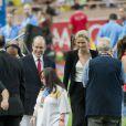 Le Prince Albert de Monaco et la Princesse Charlene sont apparus très unis au cours de cette soirée d'athéltisme à Monaco comptant pour la Ligue de Diamant le 22 juillet 2011