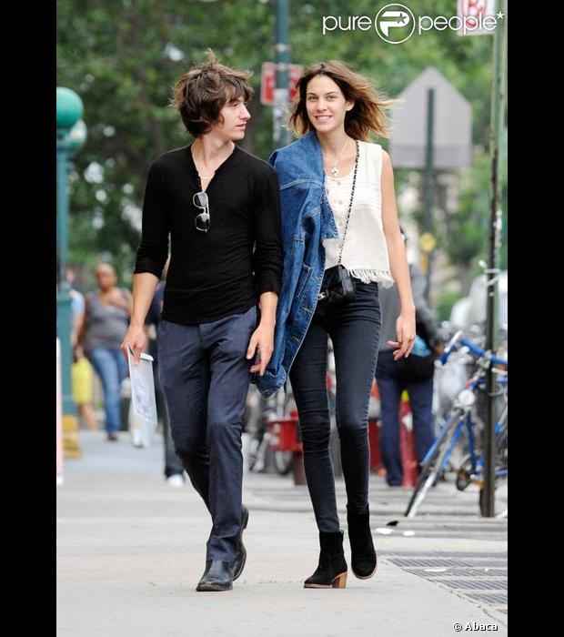 alexa chung dating 2013 They still have respect for each other alexa and alexander first stated dating back in 2015, the couple's relationship was seemingly confirmed when they were photographed packing on the pda in new york city in june 2015 alexander skarsgård and alexa chung break up alexa chung, alexander.