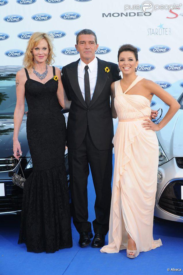Melanie Griffith, Antonio Banderas et Eva Longoria lors du gala de charité Starlite à Marbella le 6 août 2011