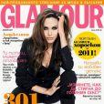 Angelina Jolie la joue Glamour pour la couverture du numéro de janvier 2011 de l'édition bulgare.