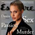 Février 2000 : la sexy Angelina Jolie apparaît en couv' du magazine Esquire.