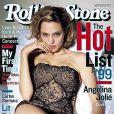 Angelina Jolie, vêtue d'une guêpière sexy, en couverture du Rolling Stone du 19 août 1999.