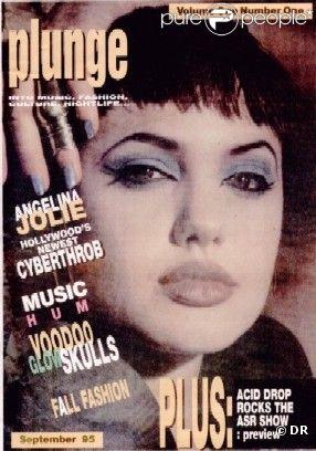 Sept 1995 : Angelina Jolie vient de son premier rôle dans Hackers et soulève la curiosité de la presse. Couverture du magazine Plunge.