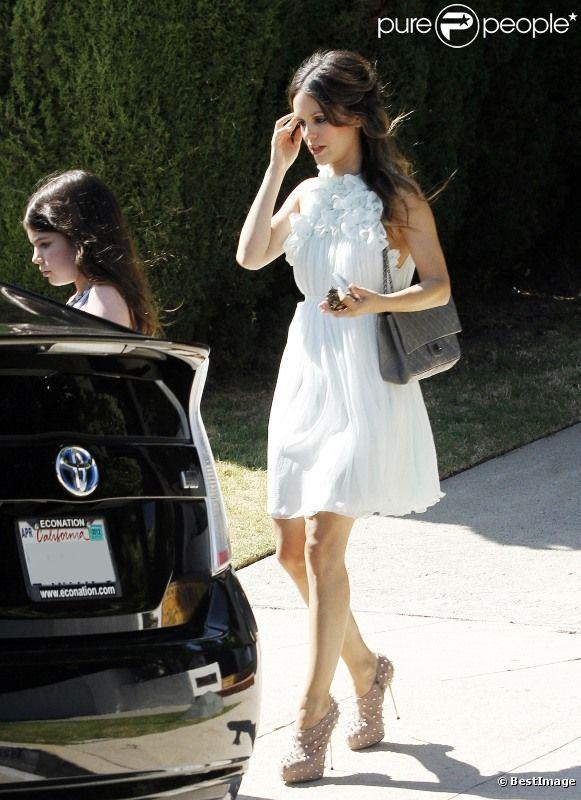 ea680942b36 L audacieuse actrice et fashionista Rachel Bilson à Los Angeles