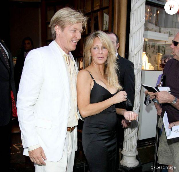 Après quatre ans d'une relation épanouie, Heather Locklear et Jack Wagner (photo : lors d'une soirée caritative à Londres le 3 août 2011) ont décidé de passer à la vitesse supérieure à l'été 2011 : ils se sont fiancés !