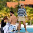 Janvier 2007, vacances à Antigua.   Le 25 août 2011, le prince héritier Haakon de Norvège et la princesse  Mette-Marit doivent célébrer leurs noces d'étain : 10 années d'un  mariage et d'un amour parfaitement sereins, après des débuts  controversés...