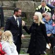 Septembre 2009, en visite dans la région du Rogaland.   25 août 2001- 25 août 2011 : le prince héritier Haakon de Norvège et la princesse Mette-Marit doivent célébrer leurs noces d'étain : 10 années d'un mariage et d'un amour parfaitement sereins, après des débuts controversés...