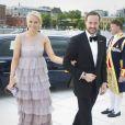 2 juin 2010, soirée à l'opéra d'Oslo...   25 août 2001 - 25 août 2011 : 10 ans de mariage pour le prince héritier Haakon de Norvège et la princesse Mette-Marit...