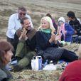 Août 2011 : à quelques heures de leurs noces d'étain, visite pleine de complicité dans le comté d'Hedmark.   25 août 2001-25 août 2011 : 10 ans de mariage pour le prince Haakon et la princesse Mette-Marit de Norvège. Une union qui a triomphé des préjugés, un conte de fées des temps modernes.