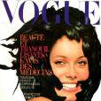 L'actrice Catherine Deneuve en couverture du Vogue Paris d'octobre 1965.