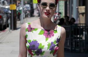 Dita Von Teese donne une nouvelle leçon de mode avec son allure rétro chic