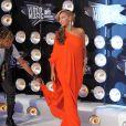 Beyoncé Knowles a choisi une superbe robe orange signée Lanvin pour les MTV Video Music Awards à Los Angeles, le 28 août 2011.