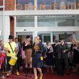 La princesse Maxima des Pays-Bas, princesse de la maison Oranje, avait misé gros sur le jaune pour l'inauguration d'un centre d'accueil pour femmes battues à Almaar, mardi 30 août 2011.