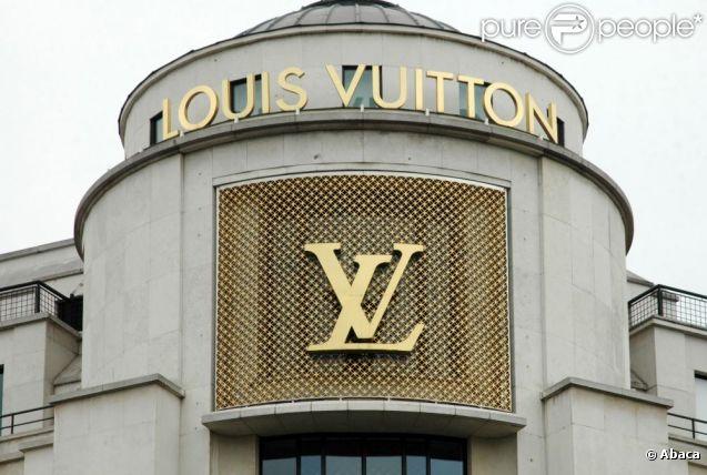 La maison Louis Vuitton. Boutique George V à Paris