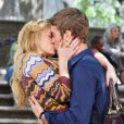 Chace Crawford et Kaylee Defer très proches sur le tournage de Gossip Girl le 1er septembre 2011 à New York