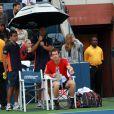 Andy Murray, très énervé, a vu son match face à l'Américain Donald Young annulé en raison de la pluie après quelques minutes de jeu le 7 septembre 2011