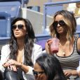 Kim Kardashian a assisté à la victoire de sa compatriote Serena Williams le 8 septembre 2011 lors du quart de finale de l'US Open 2011 en compagnie de la chanteuse Ciara