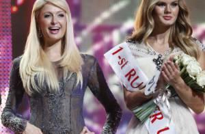 Paris Hilton a trouvé encore plus Barbie qu'elle auprès de Jean-Claude Van Damme
