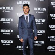 Taylor Lautner charme Lily Collins, la fille de Phil, devant Sigourney Weaver