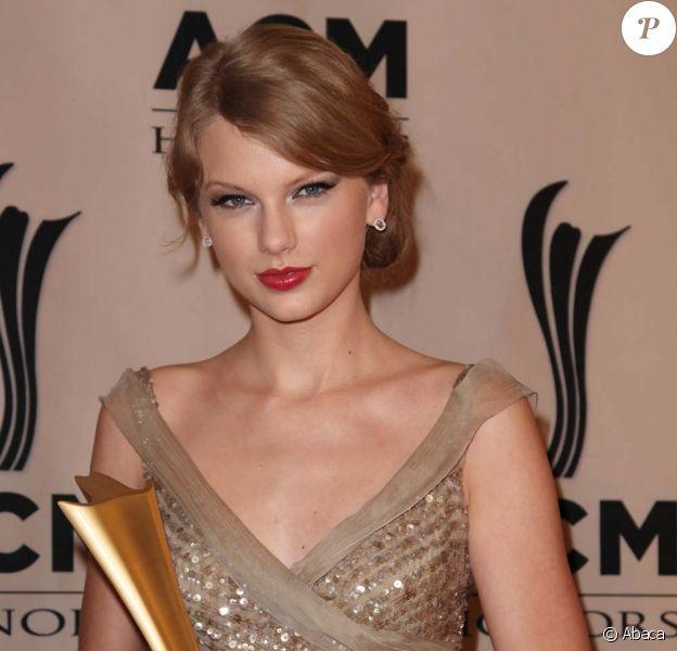 Taylor Swift à la cinquième cérémonie des ACM Special Awards, à Nashville, le 19 septembre 2011.