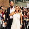 Beyoncé, enceinte, fait la promotion de son parfum Pulse chez Macy's. New York, 22 septembre 2011