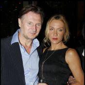 Liam Neeson heureux au bras de sa compagne Freya à Paris
