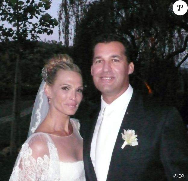 Molly Sims et son mari Scott Stuber lors de leur mariage le 24 septembre 2011 près de San Francisco