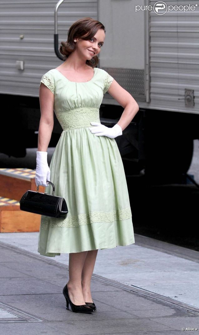 Christina Ricci sur le tournage de la série télé Pan Am. New York, 27 septembre 2011