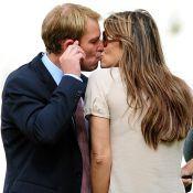 Elizabeth Hurley : Elle est bien fiancée !