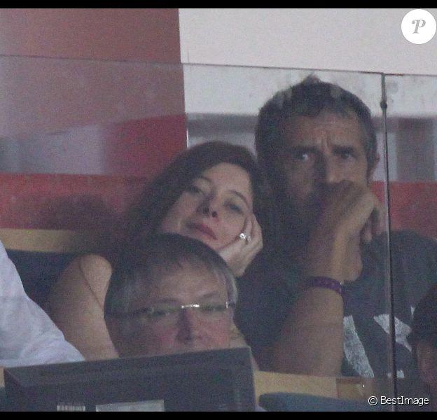 Julien Clerc et Hélène Grémillon lors du match PSG-Lyon du 2 octobre 2011