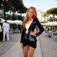 La fashionista Blake Lively se prend également d'amour pour les serpents de Christian Louboutin. Antibes, le 9 mai 2011.